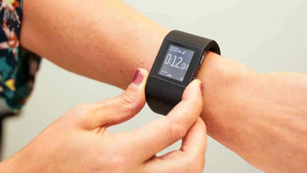 fitbit surge smartband fitness tracker