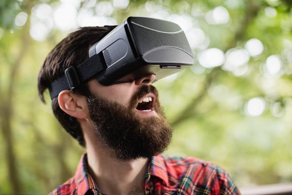 Dispositivi wearable: i visori VR