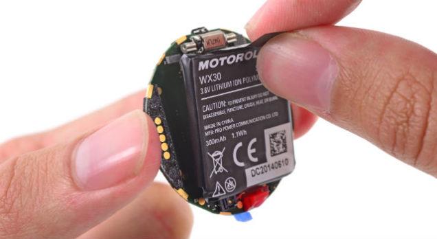 recensione batteria moto 360 smartwatch