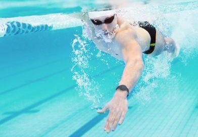 I migliori fitness trackers per il nuoto