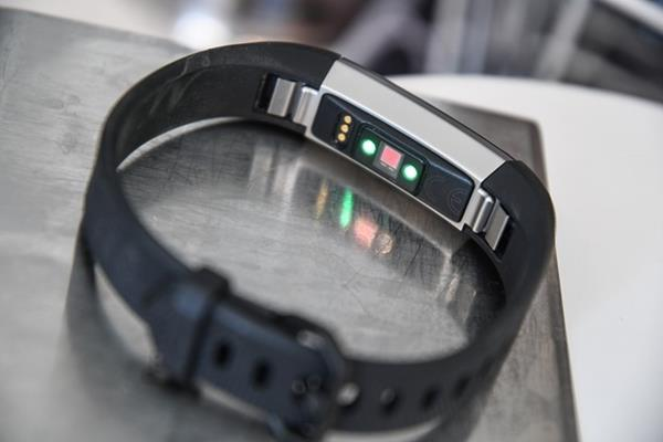 Fitness tracker Hardware Fitbit Alta HR