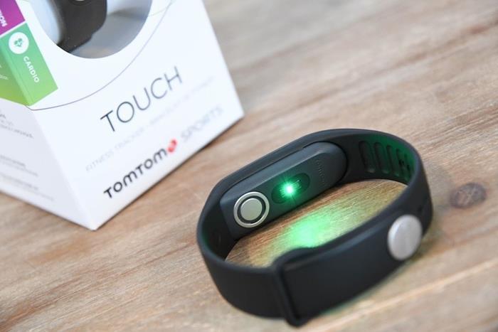caratteristiche tecniche TomTom Touch