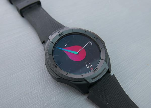 Recensione Ticwatch S2: Hardware
