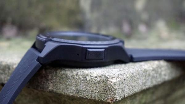Recensione Ticwatch S2: Design
